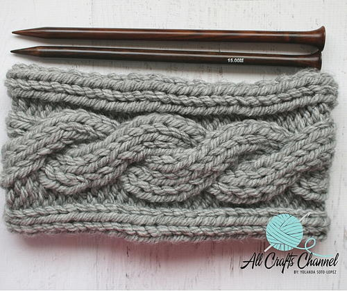 Chunky Knit Cowl with Cable Design | AllFreeKnitting.com