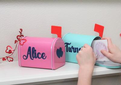 DIY Valentine Mailboxes