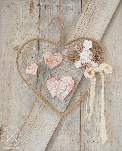 Chicken Wire Hanger Heart Tutorial