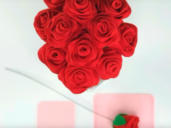 Wonderfully Easy Felt Rose Tutorial