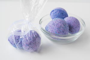 How to Make Bath Bombs