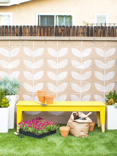 How to Paint an Outdoor Bench