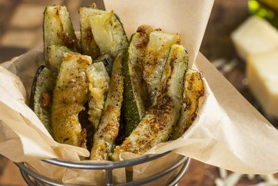 Garlic Parmesan Zucchini Fries
