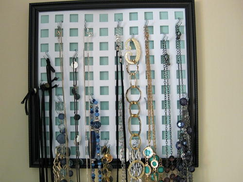 Easy Necklace Organizer