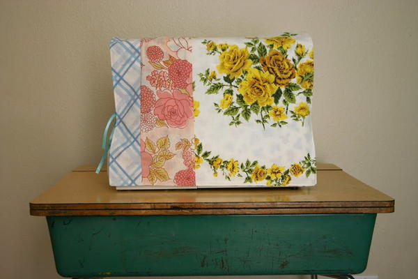 Floral Sewing Machine Cover Tutorial