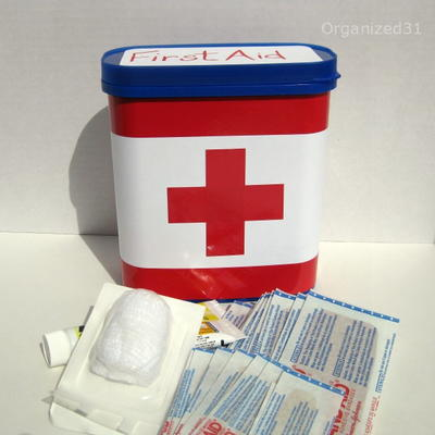 Quick and Thrifty First Aid Box