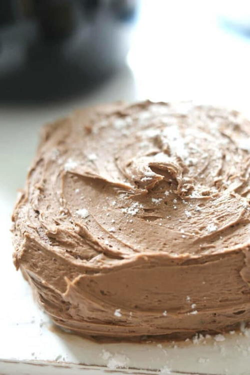 How to Make a Chocolate Cake in an Air Fryer