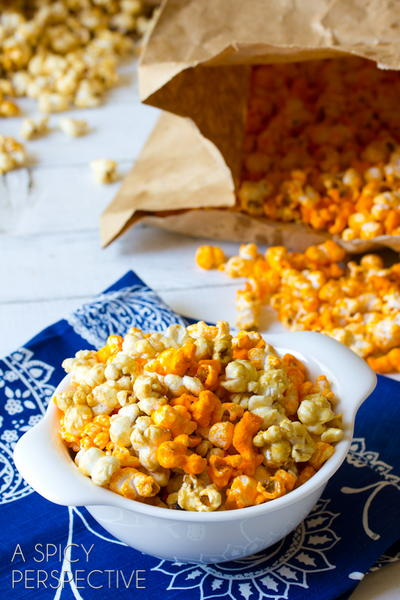 Copycat Garretts Caramel and Cheese Popcorn
