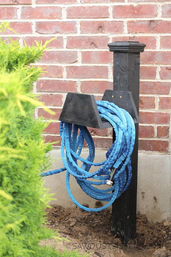 DIY Chunky Garden Hose Holder