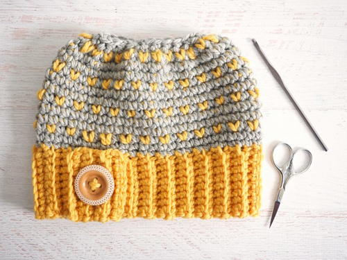 Retro Messy Bun Hat Crochet Pattern
