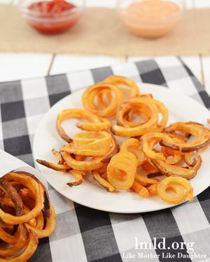"Oven ""Fried"" Copycat Arby's Curly Fries"