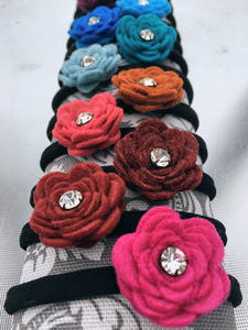 Easy Felt Flower Hair Ties
