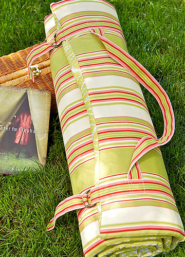 Outdoor Padded Roll Up Cushion