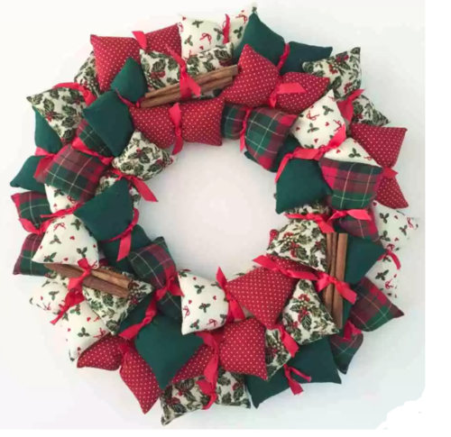 Christmas Pillow Wreath Tutorial