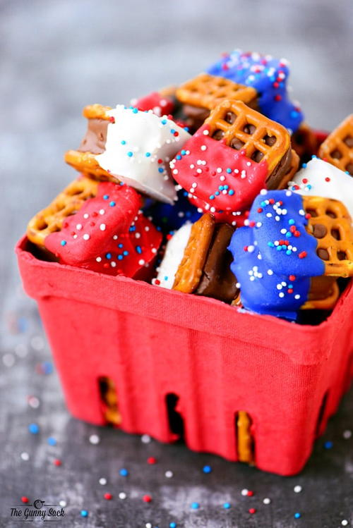 Adorable Red White and Blue Pretzel Bites