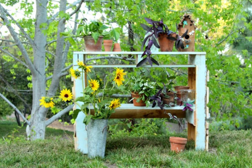 Wood Pallet DIY Potting Bench