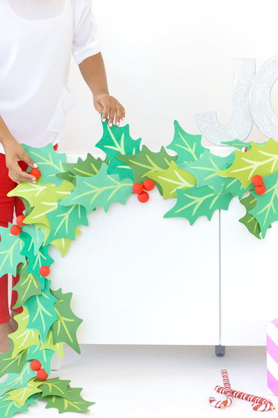 Giant Paper Holly Garland Tutorial