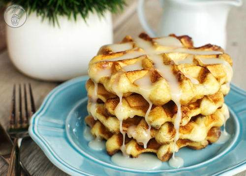 Easy Cinnamon Roll Waffles