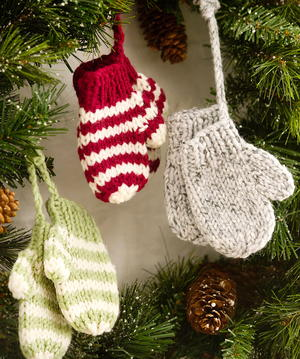 5 CHRISTMAS TREE DECORATIONS KNITTING PATTERN