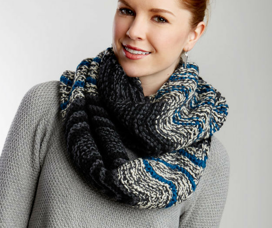 280598230c34a 50+ Infinity Scarf Patterns You'll Love | AllFreeKnitting.com