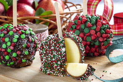 Caramel-Dipped Chocolate Apples