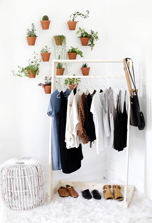 DIY Wooden Clothing Rack