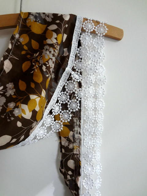 Image shows the Fall Fringed Scarf.