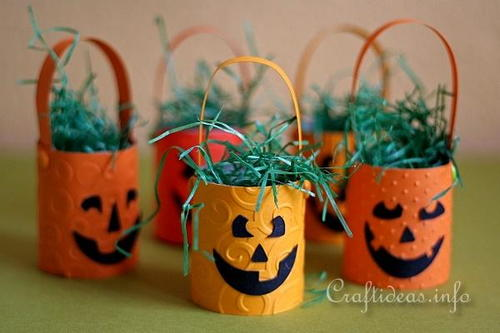DIY Hanging Paper Pumpkins Baskets
