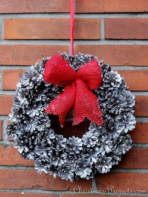 Frosted Pine Cone Winter Wreath