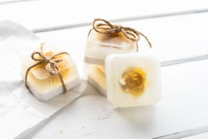 How to Make Soap with Pressed Flowers