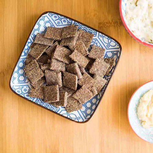 Keto Garlic Chia Crackers Recipe