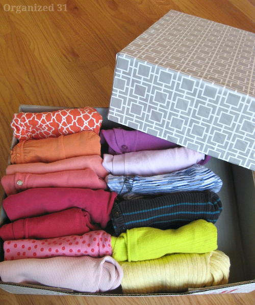 Recycled DIY Clothes Storage Box