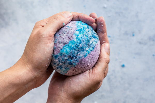 Out of this World Galaxy DIY Bath Bombs