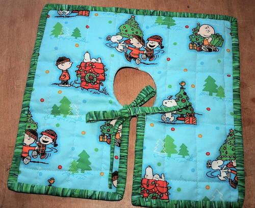 Mini Christmas Tree Skirt Pattern.Peanuts Christmas Tree Skirt Favequilts Com