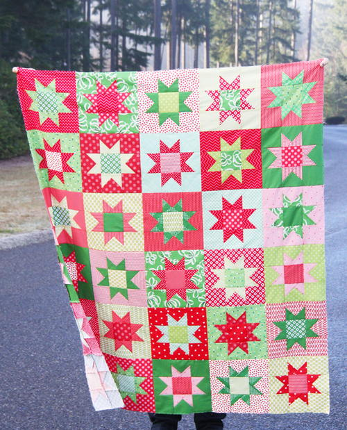 Christmas Quilt Patterns.No Point Stars Christmas Quilt Pattern Favequilts Com