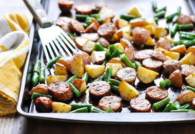 Sheet Pan Italian Sausage with Potatoes and Green Beans
