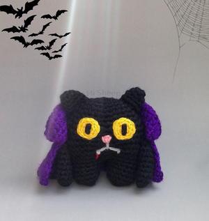 Free Crochet Amigurumi Scarecrow Cat and Crow Pattern | Halloween ... | 317x300