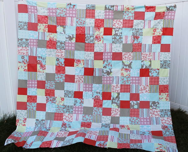 Easy-Peasy Fat Quarter Quilt