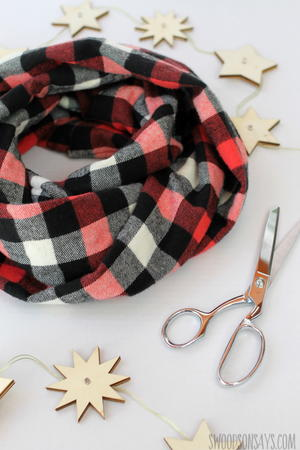 Easiest Flannel Infinity Scarf Tutorial
