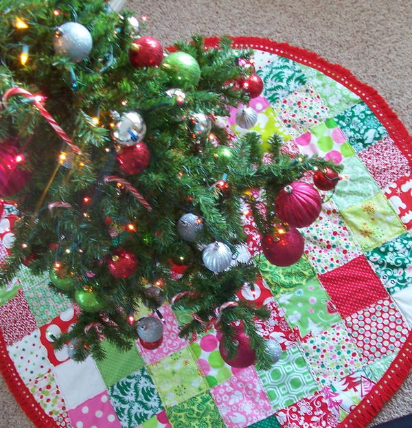 Simple Patchwork Christmas Tree Skirt