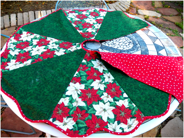 Flowery Christmas Tree Skirt
