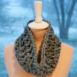 Hurry-Up Holiday Cowl