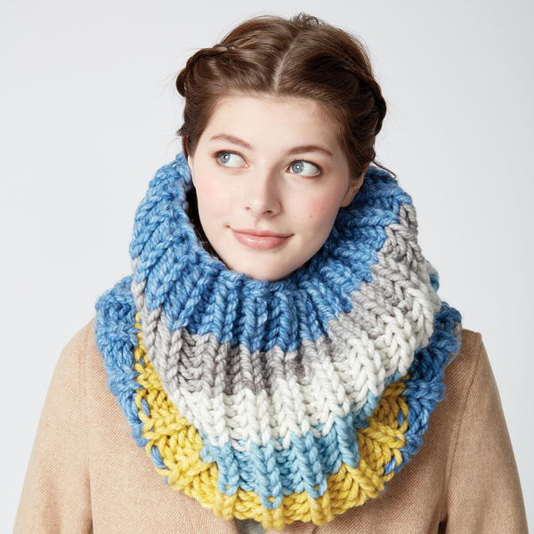 Shake it Off Knit Cowl