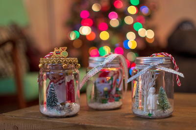 Retro-Inspired Christmas Scene Ornaments