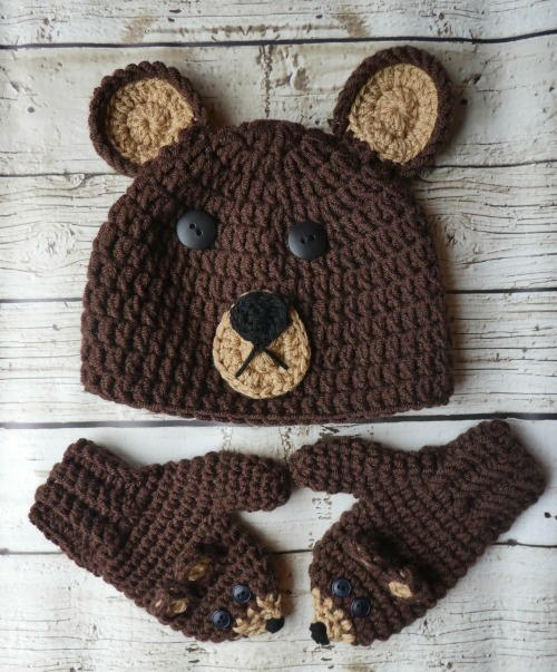 Cute as a Bear Hat  Mitten Set