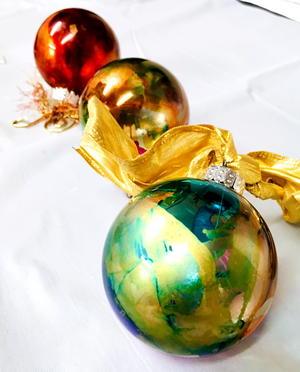 Alcohol Ink Christmas Ornaments.Diy Alcohol Ink Ornaments Diyideacenter Com