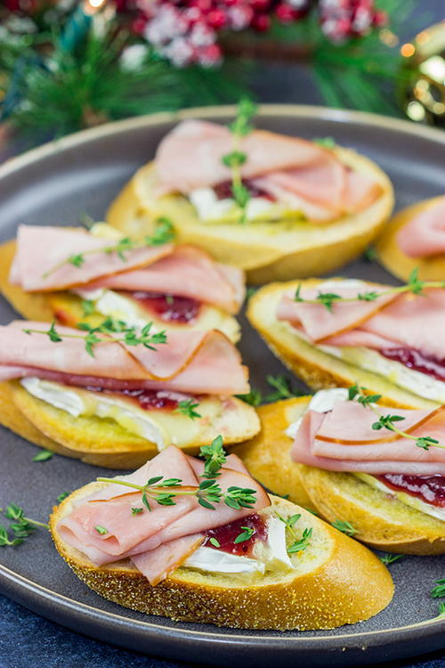 Ham, Brie and Cranberry Crostini