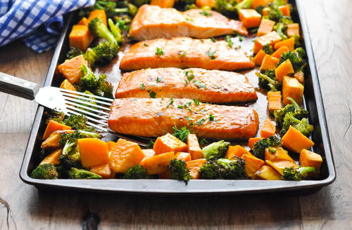 Sheet Pan Dinner: Maple Glazed Salmon with Sweet Potatoes and Broccoli