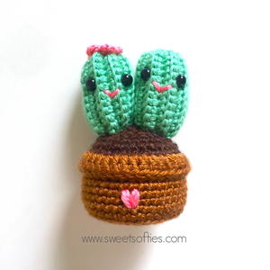 Cute Cactus Couple Valentine's Day Amigurumi