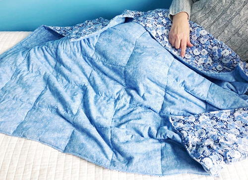 How to Make a DIY Weighted Blanket for Anxiety